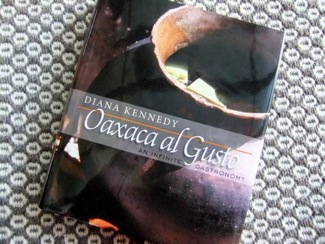 oaxaca al gusto book cover by rachel laudan
